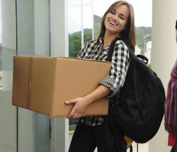 Student moving into new student home