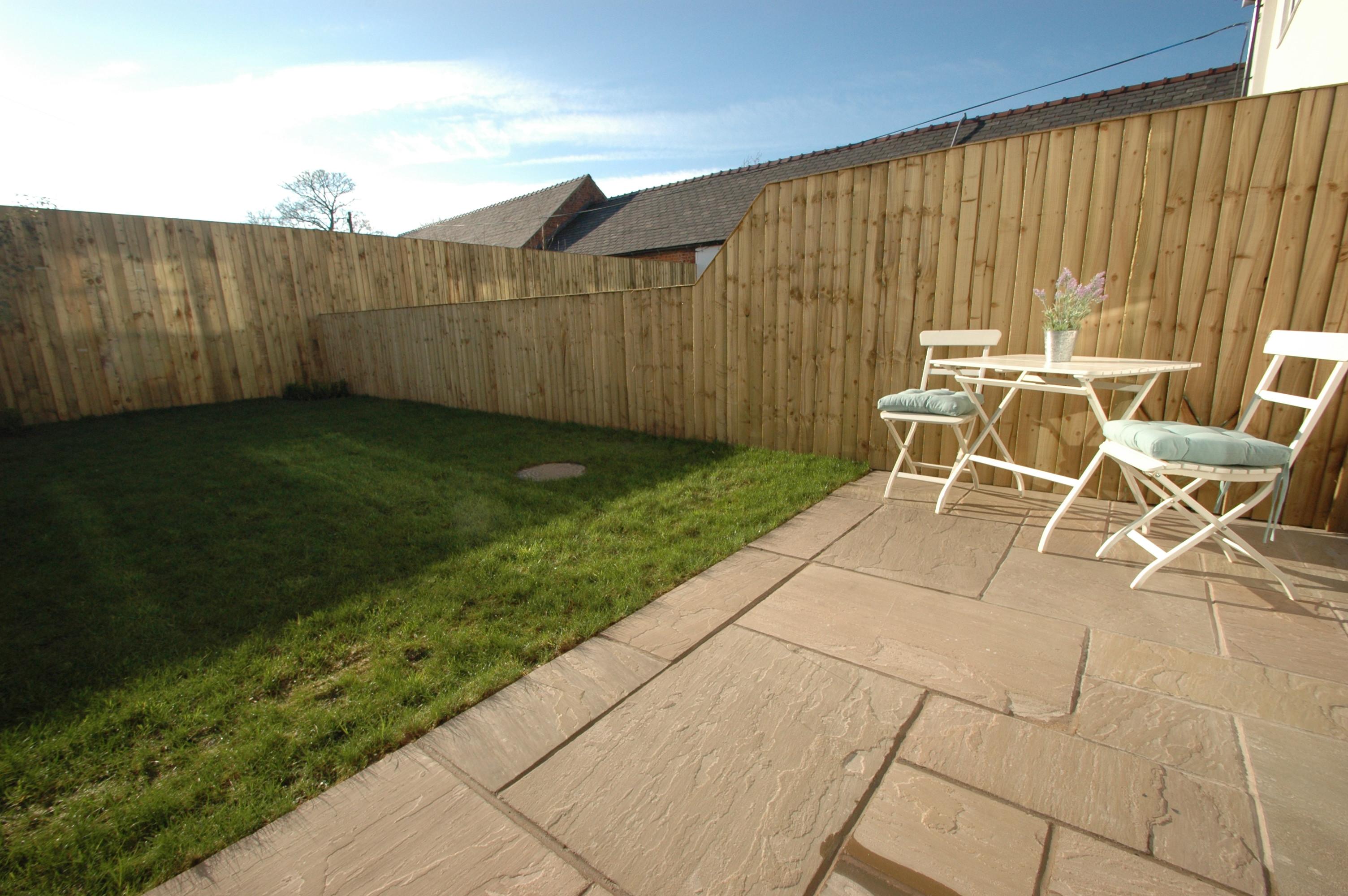 Mollington Grange garden